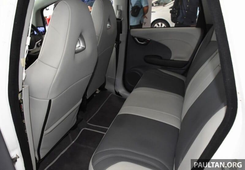 Không chịu kém Việt Nam, Malaysia cũng ra mắt ôtô điện với thiết kế cực'đơn giản'